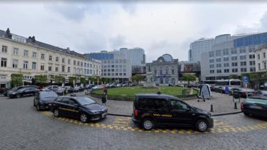 """Place du Luxembourg : une manifestation à Bruxelles """"contre l'inaction de l'Iran"""" face au coronavirus"""