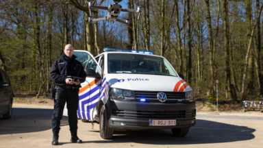 Un drone de la police survole le Bois de la Cambre pour rappeler les règles