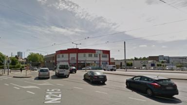 Accident de voiture à Anderlecht : le conducteur transporté à l'hôpital dans un état grave