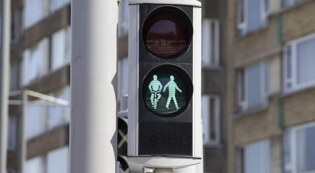 Feu vert - Feu de signalisation pour cyclistes et piétons - Belga Nicolas Maeterlinck
