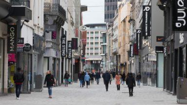 Les pertes des magasins de vêtements atteignent 1,2 milliard d'euros, chiffre Comeos