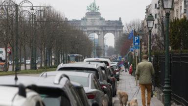 Confinement: 66% des Bruxellois ont réduit leur déplacement en voiture