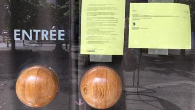 Autorisé à rouvrir pour vendre à emporter, le Bar du Matin a dû fermer sur ordre de police et écope d'une amende de 750 euros