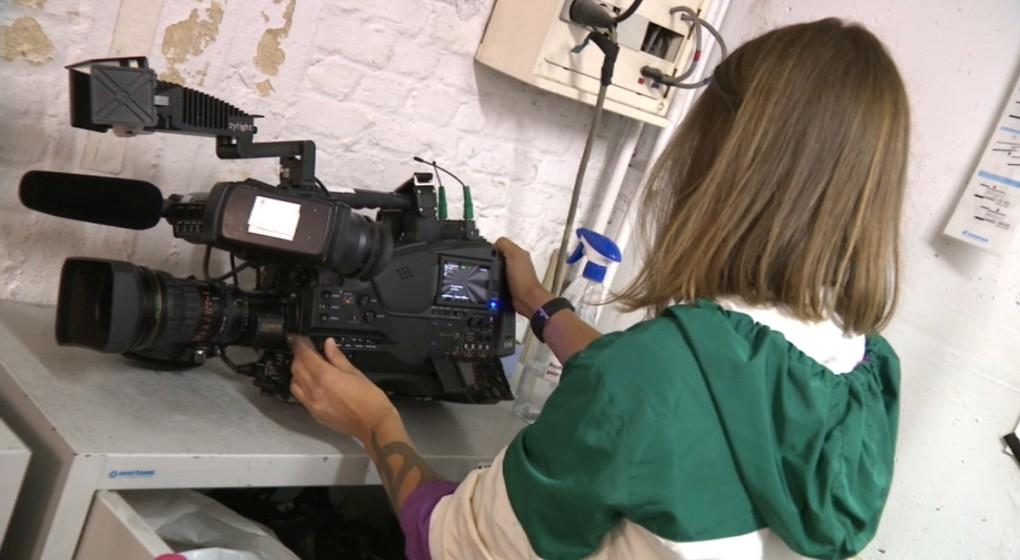 Camerawoman Jennifer Fuks - Capture BX1