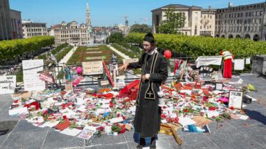 Un mausolée formé par des artistes au Mont des Arts pour dénoncer la situation de la culture