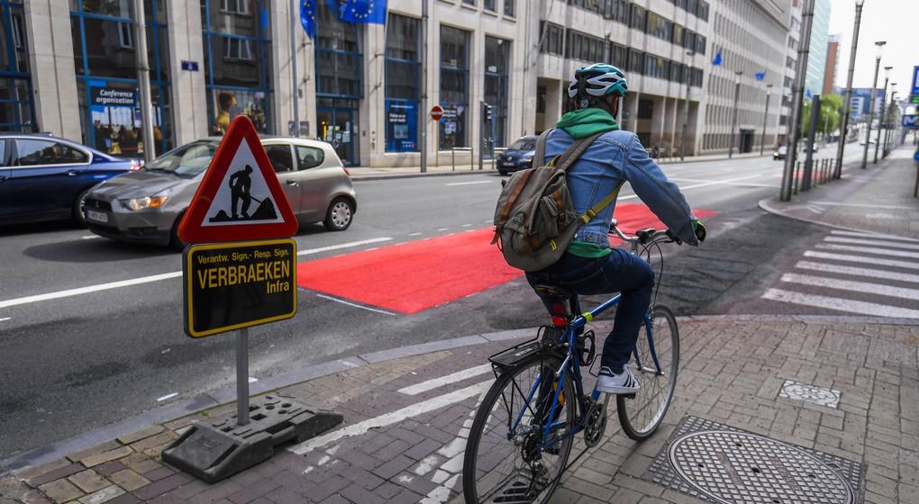 Cyclistes rue de la Loi - Travaux provisoires Piste cyclable - Belga Laurie Dieffembacq