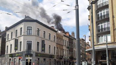Ixelles : un feu de toiture dans un immeuble de la chaussée d'Ixelles