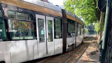 Déraillement de tram à Legrand: les lignes 8 et 93 circulent à nouveau normalement