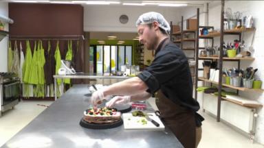 Jean-Baptiste vous permet de partager votre gâteau d'anniversaire avec vos proches… à distance
