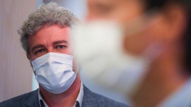 Coronavirus : la commission Santé du parlement bruxellois se réunira le 27 août pour entendre Alain Maron