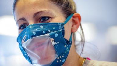 Des masques spéciaux vont être fournis aux enseignants