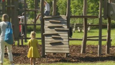 Les plaines de jeu à nouveau ouvertes pour les enfants