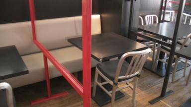 Masques, plexis : les restaurants s'équipent pour préparer la reprise