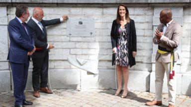"""Une plaque pour les 60 ans du Congo à Ixelles : """"La Belgique doit entamer un parcours de vérité"""", dit Sophie Wilmès"""