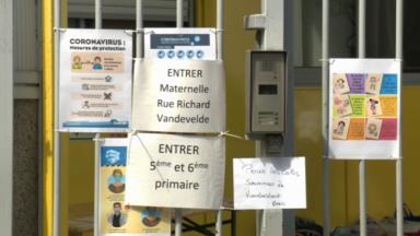 Cas de Covid-19 dans trois écoles : des classes fermées à Schaerbeek, Stockel et Molenbeek