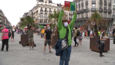 Extinction Rebellion se fige dans le calme dans différents endroits du centre-ville