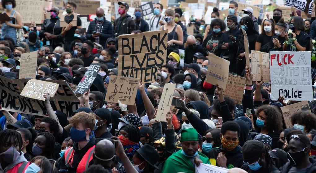 Manifestation Antiracisme Black Lives Matter - Place Poelaert - Belga Nicolas Maeterlinck