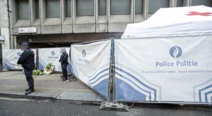 Police Bruxelles-Schuman - Hommage Attentats de Bruxelles - Belga Thierry Roge