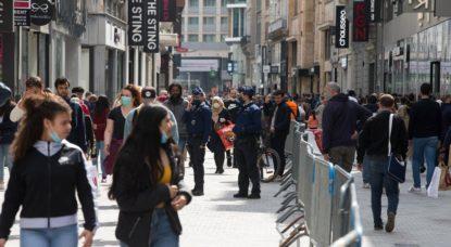 Rue Neuve Commerces - Coronavirus Masques - Belga Nicolas Maeterlinck