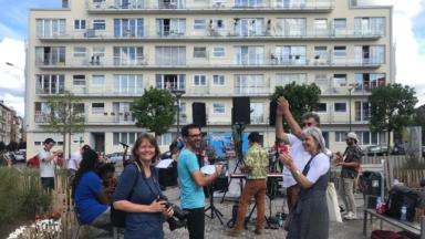 Des concerts inattendus parcourent les quartiers d'Ixelles et surprennent les habitants au balcon