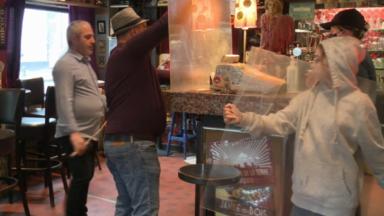 Bars et cafés : certains rouvrent, d'autres pas