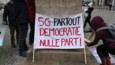 Le gouvernement bruxellois doit se positionner sur la tenue d'un débat sur la 5G