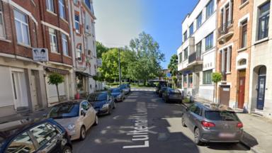 La police recherche le suspect d'un vol à main armée à Anderlecht
