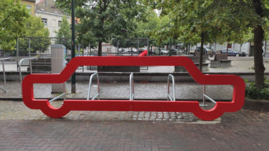 Saint-Gilles : des arceaux pour vélos en forme de voiture