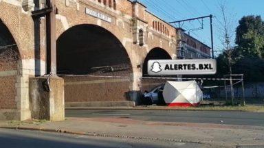 Anderlecht : une personne décède après un accident contre un pont de la rue des Deux Gares