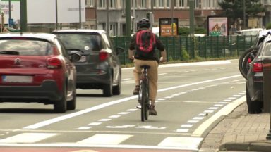 Boulevard Louis Schmidt : une piste cyclable remplace une bande pour automobilistes dans les deux sens
