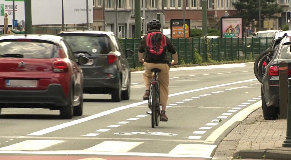 Cycliste Piste Cyclable Boulevard Louis Schmidt Etterbeek - Capture BX1
