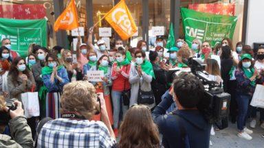 Les magasins Camaieu en grève ce lundi : une soixantaine de personnes devant le siège, rue Neuve
