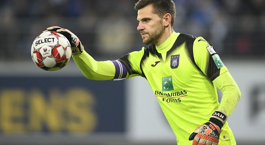 Hendrik Van Crombrugge Gardien RSC Anderlecht - Belga Yorick Jansens