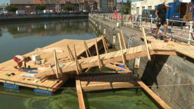 Anderlecht : un ponton provisoire installé sur le canal
