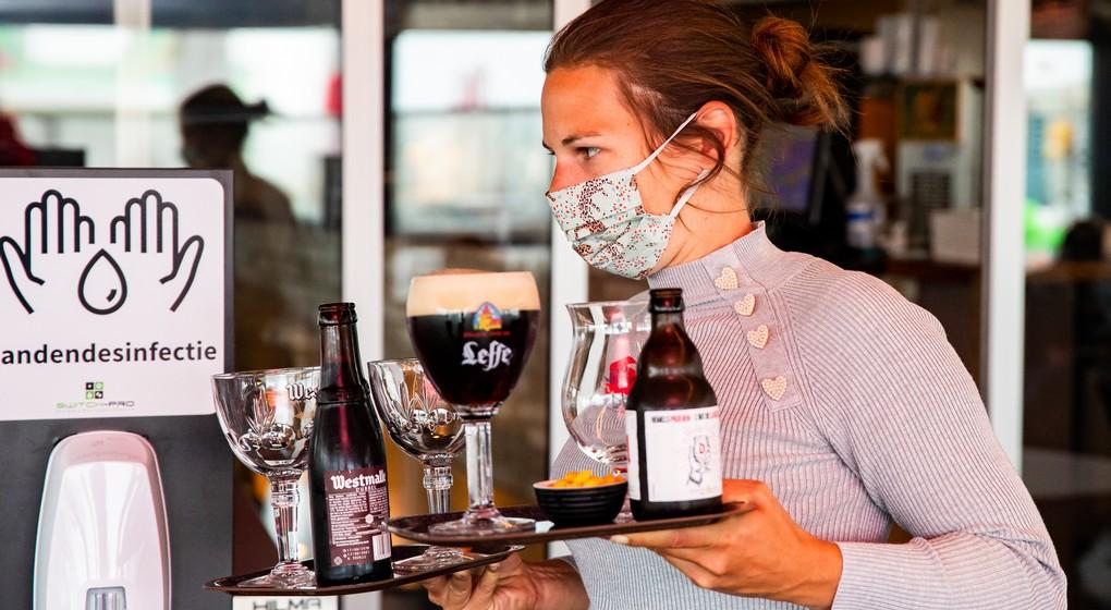 Port du masque Horeca Café - Belga Kurt Desplenter