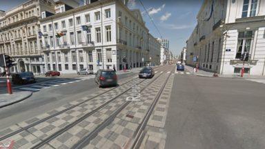 Bruxelles : un accident entre un cycliste et le conducteur d'une camionnette près de la station Parc