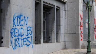 Des tags au SPF Justice et à la prison de Saint-Gilles réclament un retour à la normale des visites en prison