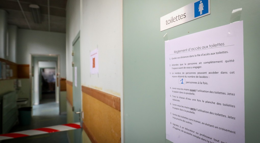 Toilettes école sanitaires - Belga Virginie Lefour