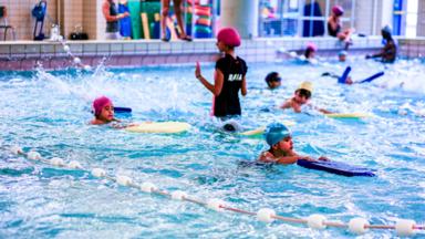 Laeken : la piscine de Jan-van-Ruusbroeckcollege va être rénovée