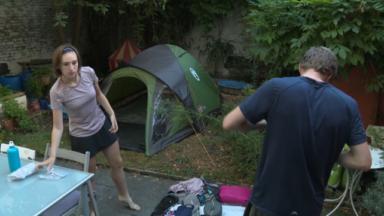 Accueillir dans son jardin aux campeurs : le nouveau tourisme local qui plait