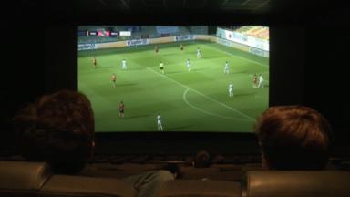 Malines-Anderlecht : les supporters ont visionné le match au cinéma