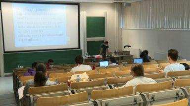 Les étudiants positifs ne peuvent pas participer aux examens en présentiel