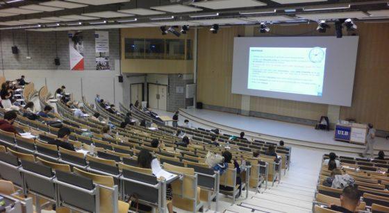 Examen Médecine Dentisterie Auditoire ULB Université - Belga Ophelie Delarouzée