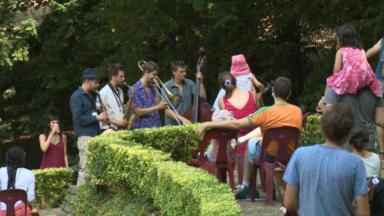 Festival Brosella : une édition spéciale entre grosse chaleur et mesures sanitaires