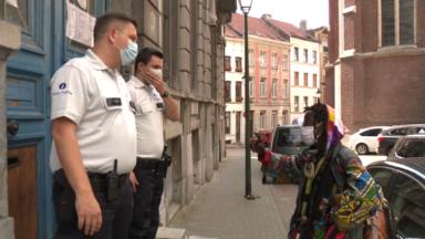 Port du masque obligatoire : nous avons suivi une patrouille de police lors d'un contrôle au Parvis de Saint-Gilles