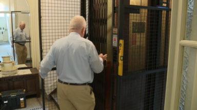 Restaurateur d'ascenseurs anciens, un métier d'avenir
