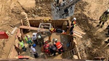 Anderlecht : un ouvrier tombé dans un puits est secouru par les pompiers