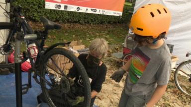 Nouveau succès pour le Bike Repair Day organisé à Koekelberg