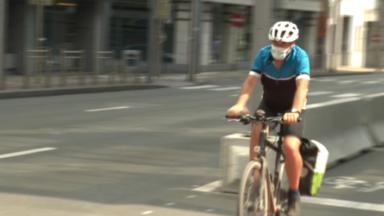 Port du masque à vélo : le GRACQ et le Fietsersbond demandent de la souplesse