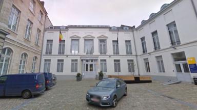 Doit-on s'attendre à de nouvelles mesures sanitaires ? Les 19 bourgmestres bruxellois convoqués en urgence